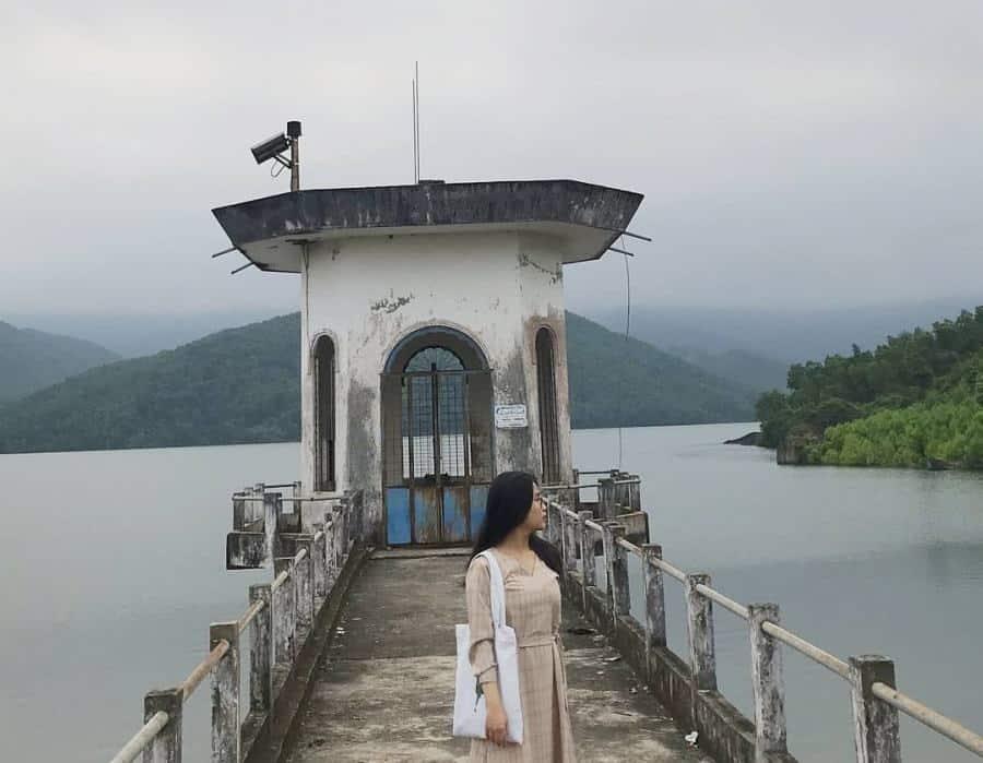 Hồ Hòa Trung - Địa điểm check-in đẹp