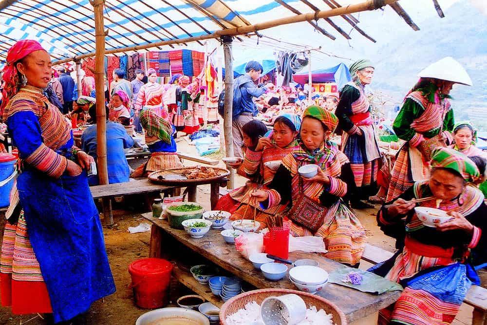 Chợ Cán Cẩu Sapa