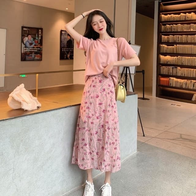 Nàng nên diện váy hoa khi đến Hàn Quốc