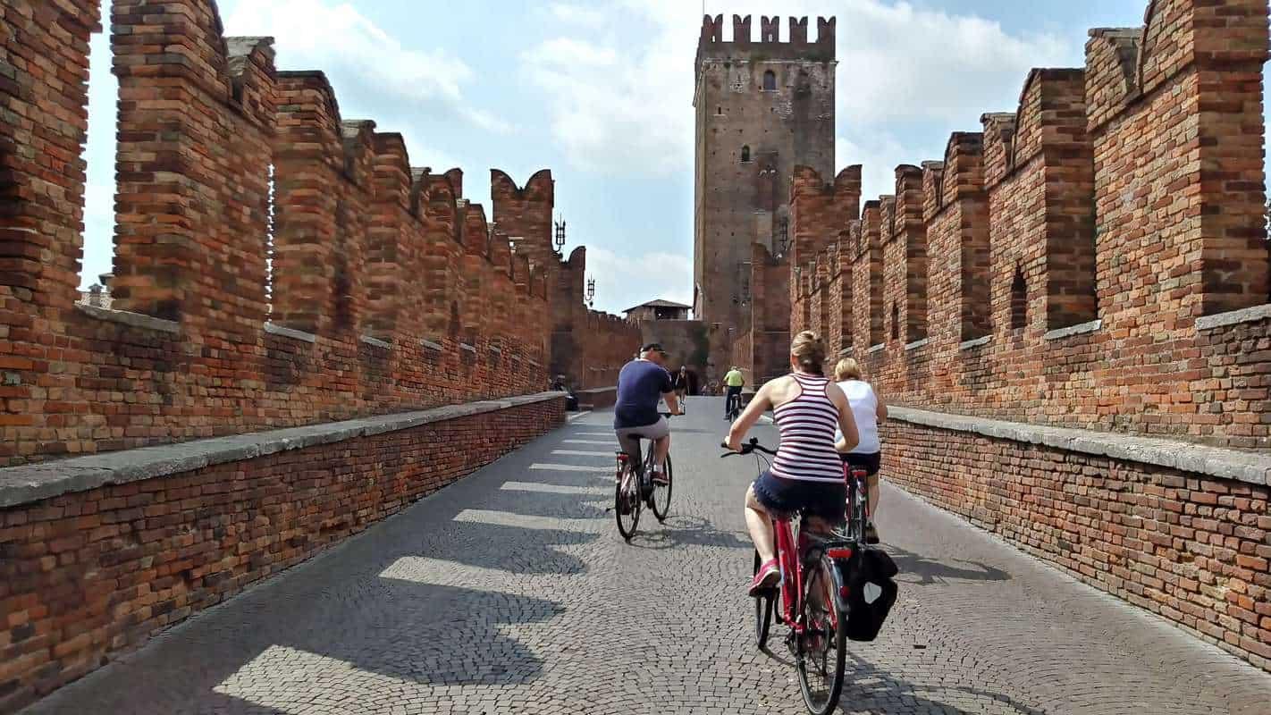 Di chuyển tại Verona