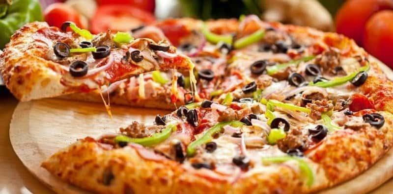 Ăn pizza mote cực ngon