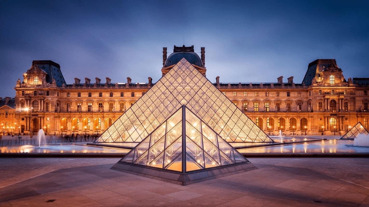 Bảo tàng Louvre Paris