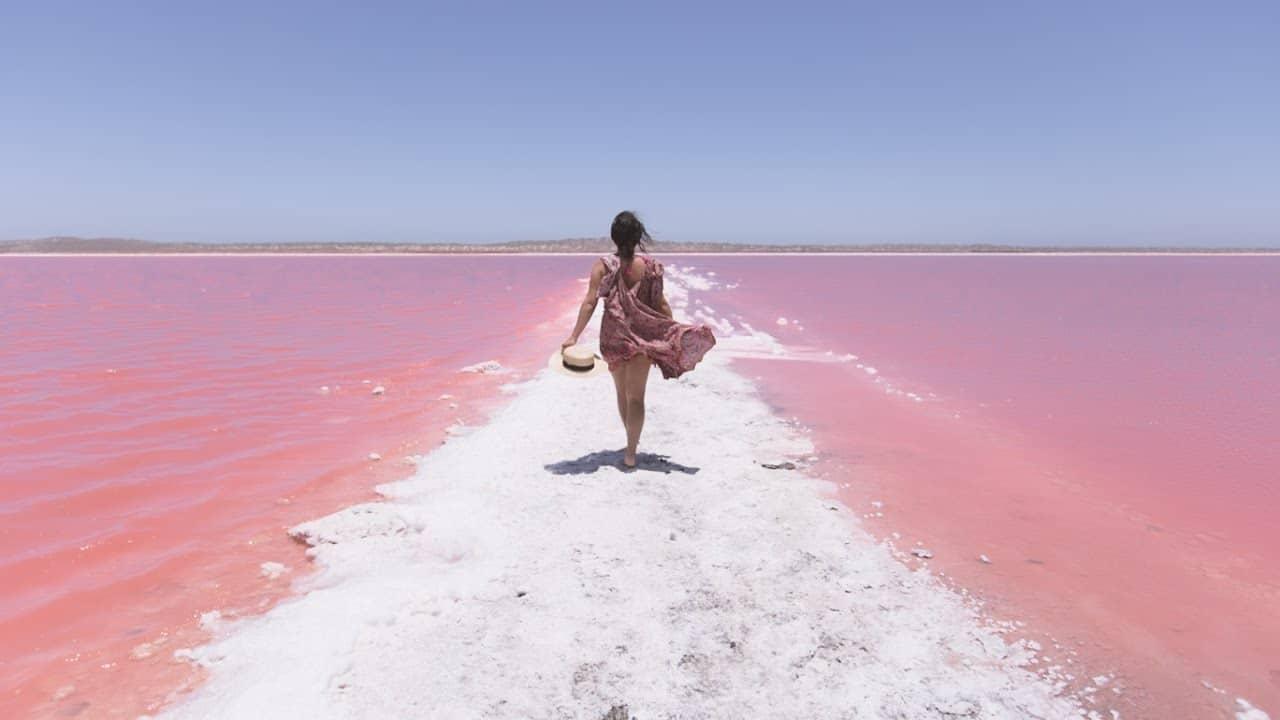 Hồ nước màu hồng Hillier tại Úc