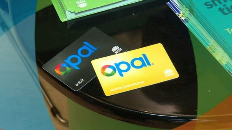 """""""Tap"""" thẻ Opal trước và sau chuyến đi"""