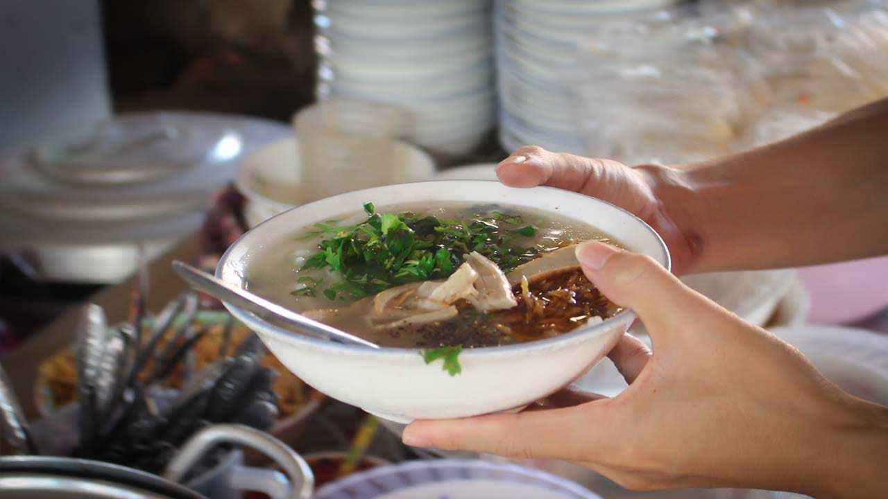 bánh canh chả cá Đà Lạt Cẩm Đô
