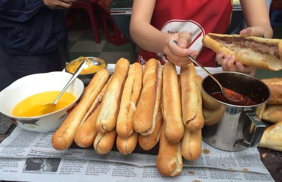 Bánh mỳ  ngon Bà Tứ