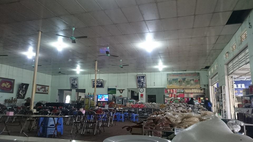 Không gian nhà hàng Nam Hưng