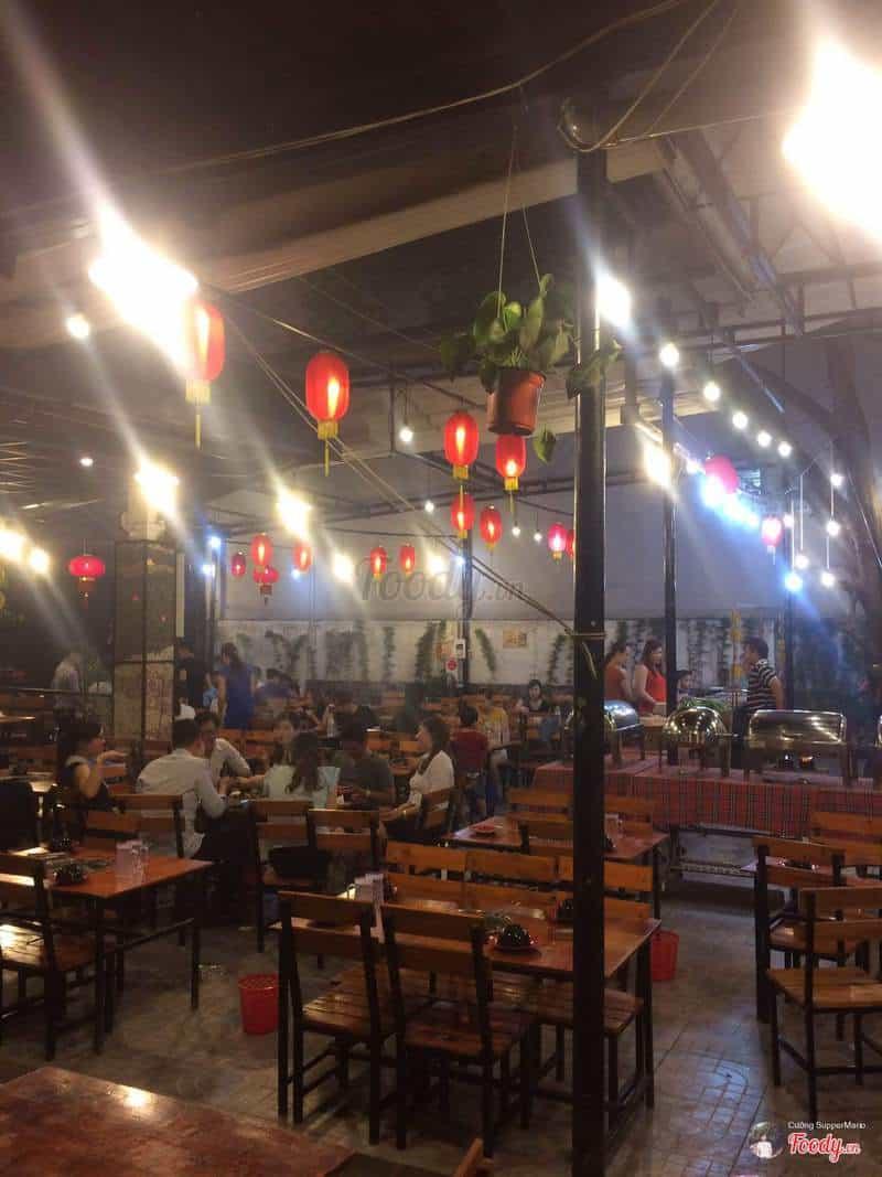 Không gian quán Buffet hải sản Hun Khói
