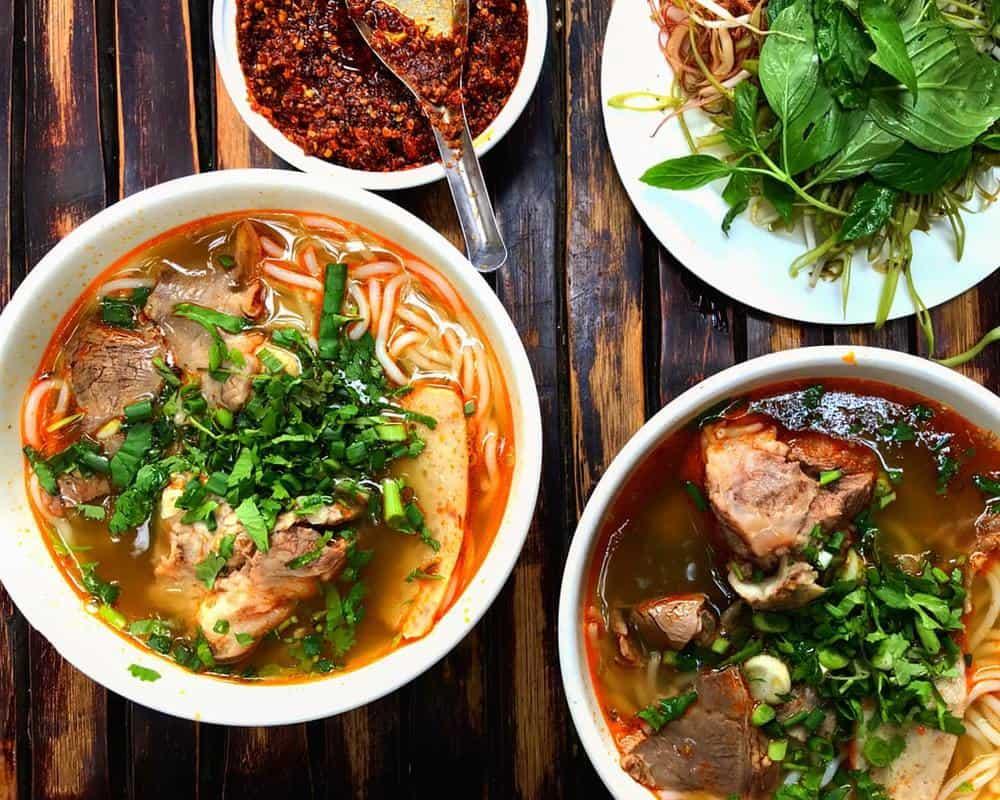 ăn bún bò Huế Đà Nẵng