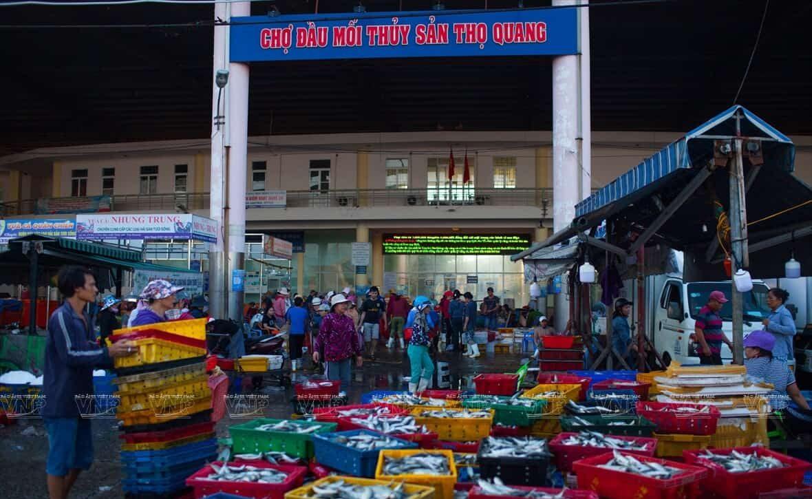 Chợ đầu mối Thọ Quang