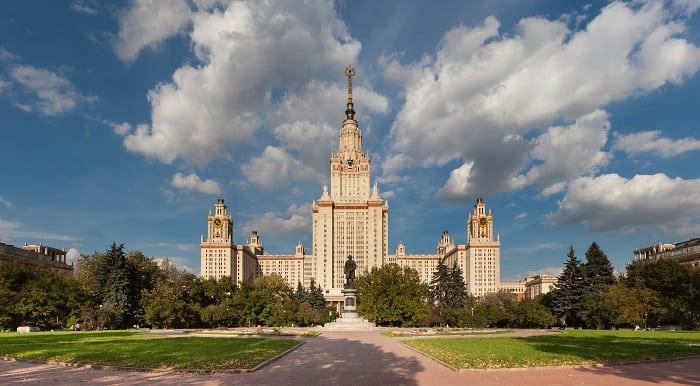 đại học lomonosov nước Nga