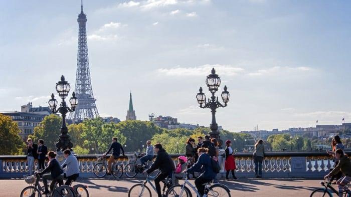 Mua vé trực tiếp để di chuyển tại Paris
