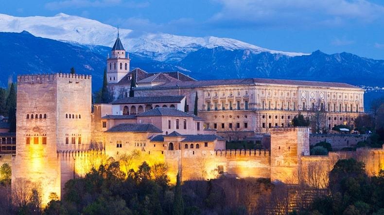 Lâu đài Alhambra biểu tượng của nền văn minh hồi giáo