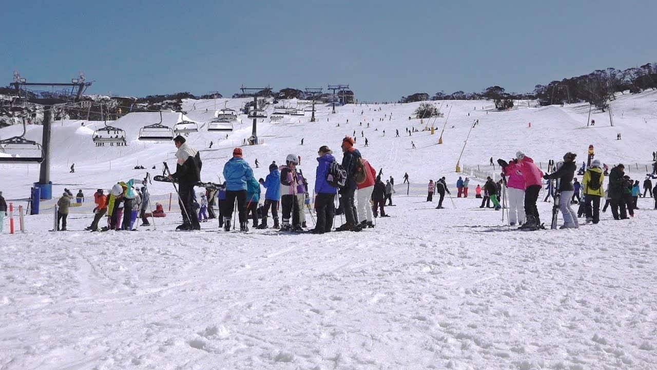 Trải nghiệm bộ môn trượt tuyết vào mùa đông nước Úc