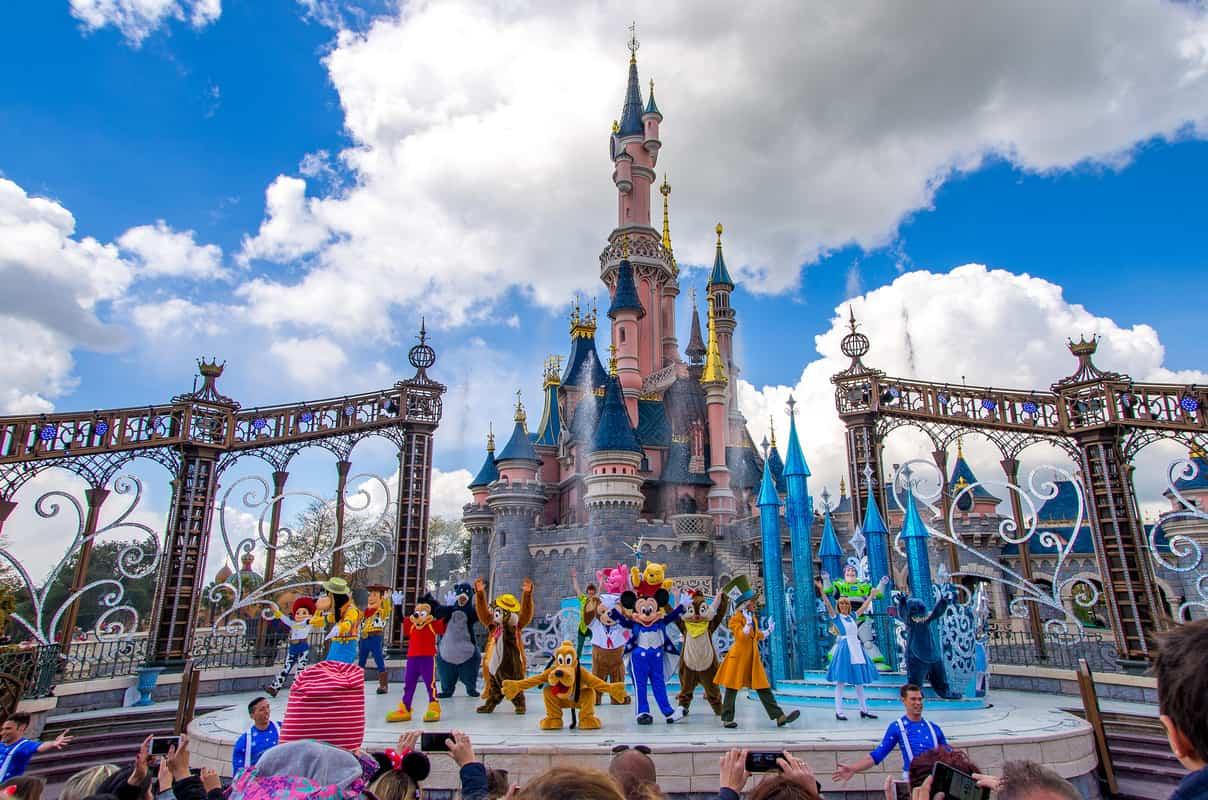 Giá vé Disneyland Paris