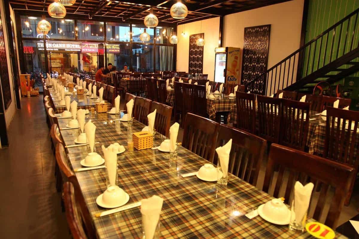 Nhà hàng Đỗ Quyên thiết kế theo phong cách sang trọng nhưng vẫn ấm cúng