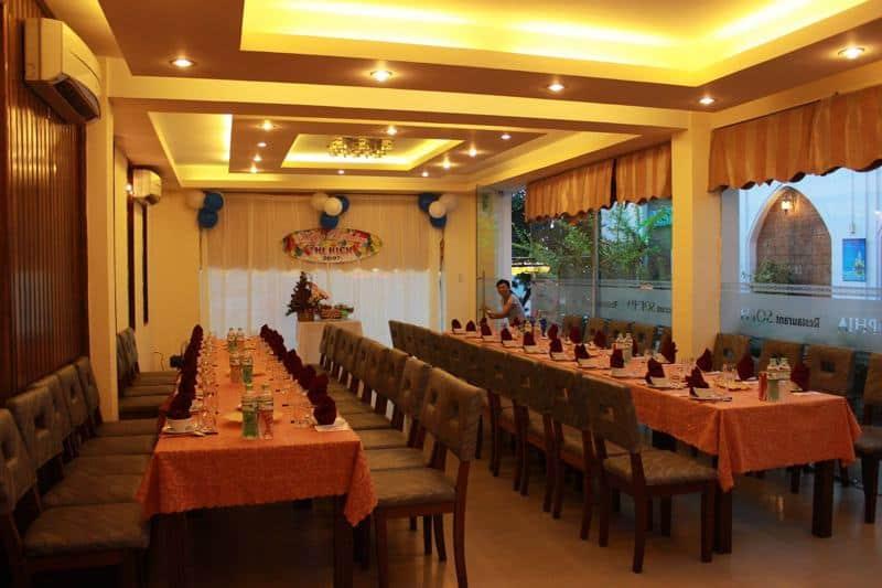Không gian cuả nhà hàng