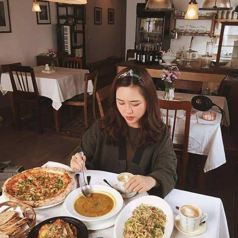 Đặt bàn trước khi đến nhà hàng