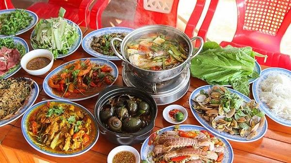 Quán ăn hải Sản ngon Bà Thôi tại đường Võ Văn Kiệt Đà Nẵng