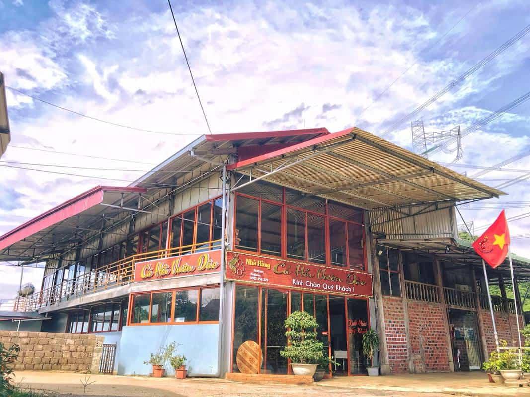 Nhà hàng Cá Hồi Vườn Đào