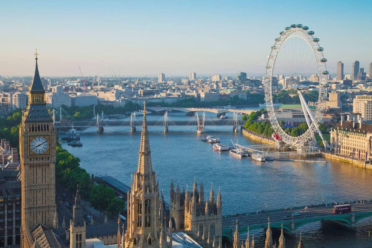 Con sông Thames mơ mộng