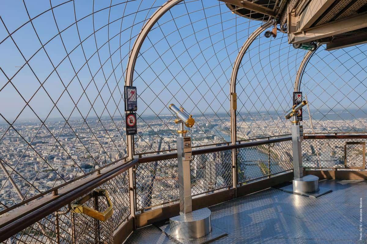 Tham quan tháp Eiffel