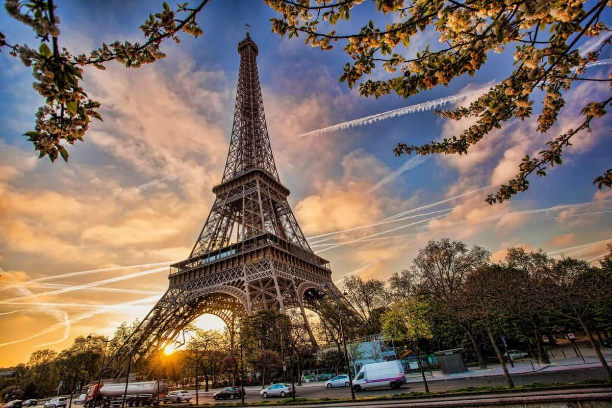 Một số lưu ý khi tham quan tháp Eiffel