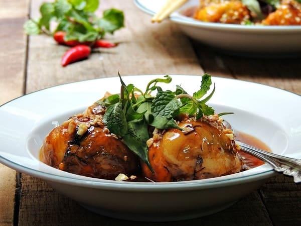Trứng cút lộn xào me Đà Nẵng quán Trang