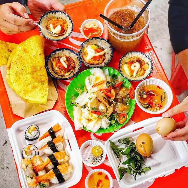 ăn vặt chân cầu Trần Thị Lý