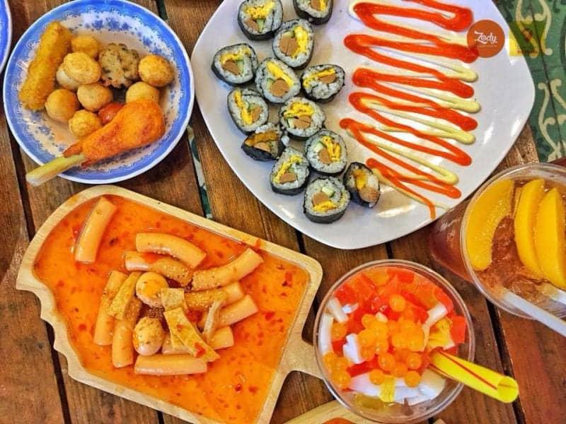 Ăn vặt Hòa Khánh tại Ô Tô Food & Drink