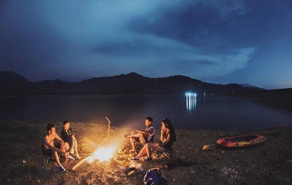 cắm trại đêm làng vân