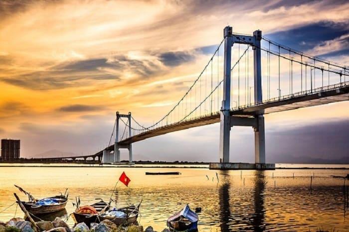 Cầu treo Thuận Phước