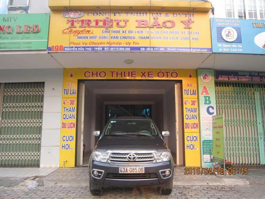 giá thuê xe ô tô tự lái tại đà nẵng