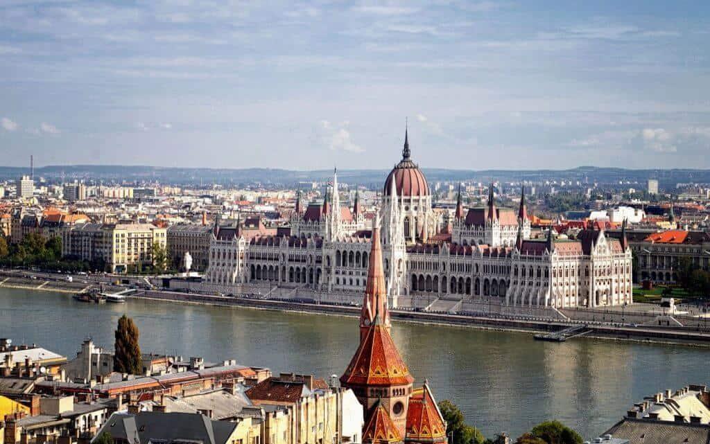 Tour du lịch Đông Tây Âu