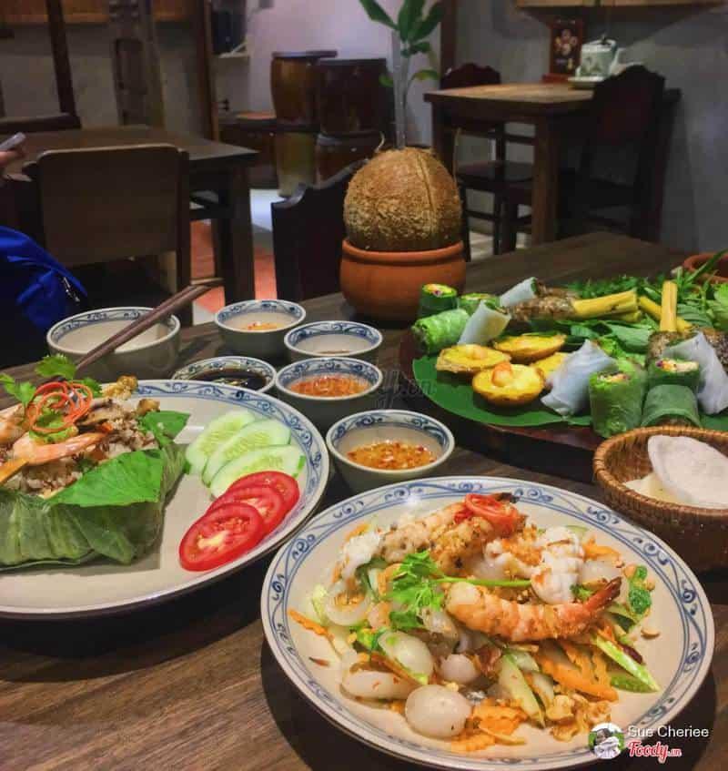 Mekong Chicken ngon ở quận 1