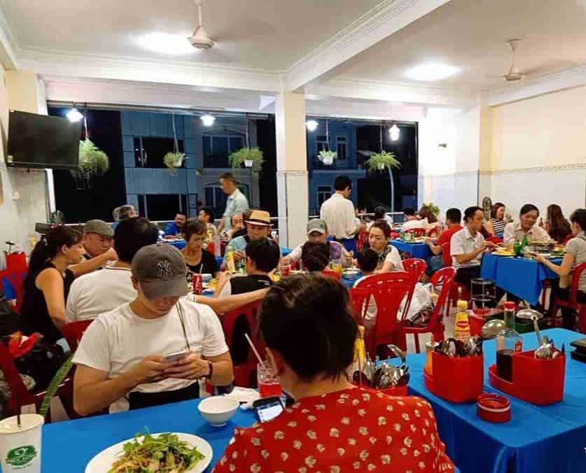 quán ốc ngon ở Sài Gòn quận 1