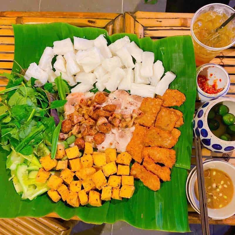Bún đậu lòng nướng khu Hoàng Cầu Hà Nội nổi tiếng ngon, rẻ
