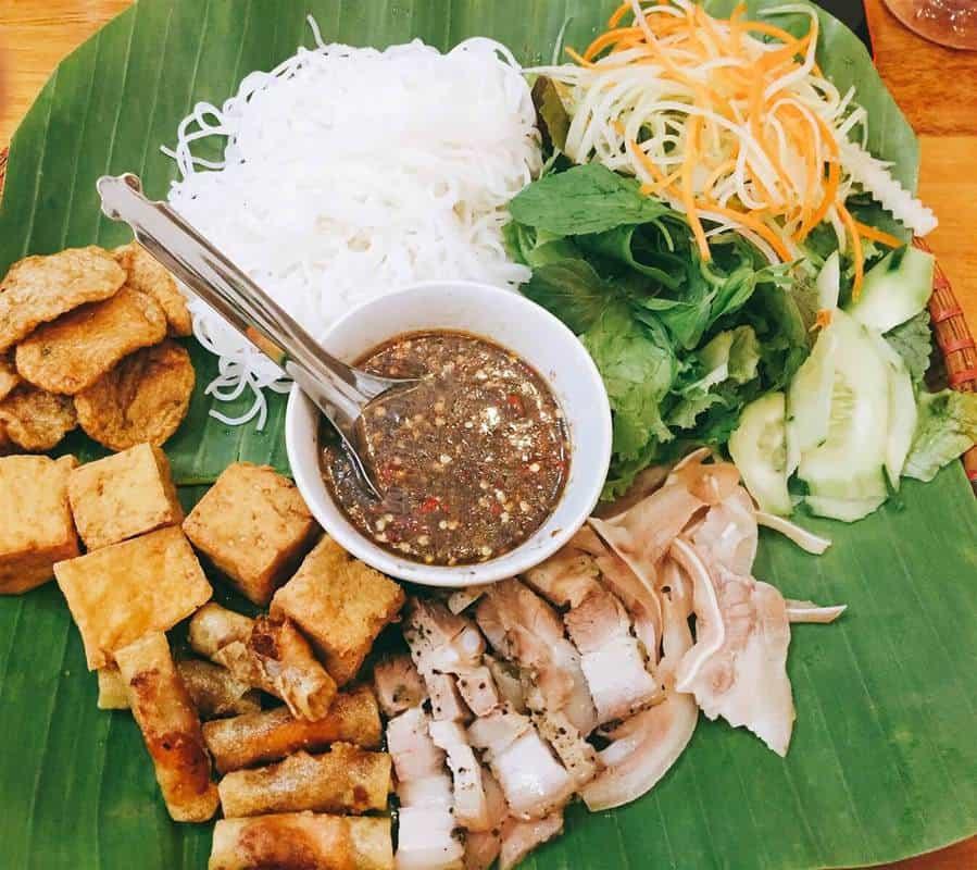 Đoàn Trần Nghiệp - Ăn bún đậu mắm tôm ngon ở Hà Nội
